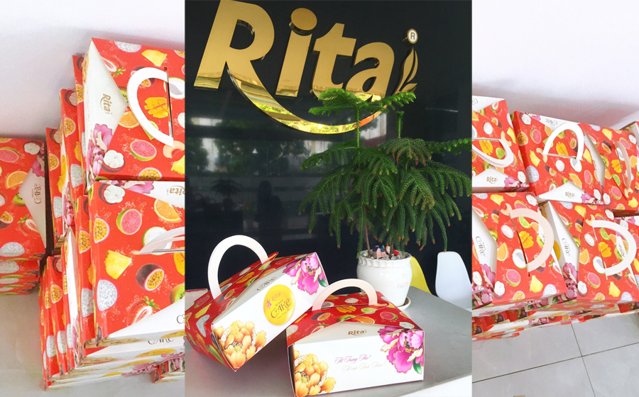 RITA GIVES HAPPY GIFTS TO COMPANY'S EMPLOYEES FOR MAGICAL MID AUTUMN FESTIVAL